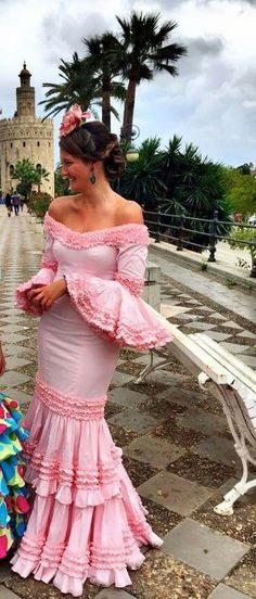 ~*020*~ Flamenca Spanish Fashion, Spanish Style, Spanish Costume, Flamenco Dancers, Flamenco Dresses, Floral Maxi Dress, Dance Costumes, Cool Outfits, Fashion Dresses