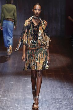 Gucci Spring 2015 RTW | model Leila Nda | posted by Vogue.com