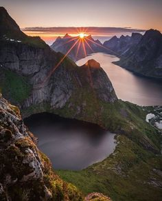 Lofoten Islands, Norway Photo by Lofoten, Beautiful World, Beautiful Places, Beautiful Pictures, Image Photography, Nature Photography, Landscape Photography, Skier, Destination Voyage