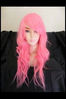 Cotton candy pink hair ......hmmm i luuuv it (and its on a mannequin..lol)