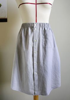 Falda hecha a partir de una camisa de caballero | Betsy Costura