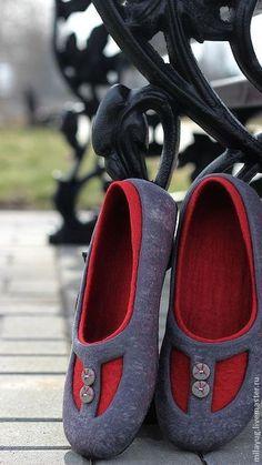 """Обувь ручной работы. Ярмарка Мастеров - ручная работа. Купить """"Загадка для Веры"""" валяные тапочки-балетки. Handmade. Тёмно-серый"""