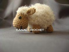 Amigurumis Oveja amigurumi: Abreviaturas: AM- anillo mágico- magic ring. Pb- punto bajo- single crochet. Pe- punto enan...