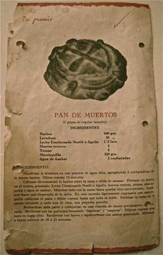 pan de muerto, 'bread of the dead', made for the Mexican Days of the Dead, with its shape resembling a skull and crossbones. Mexican Pastries, Mexican Sweet Breads, Mexican Bread, Real Mexican Food, Mexican Cooking, Authentic Mexican Recipes, Old Recipes, Vintage Recipes, Baking Recipes
