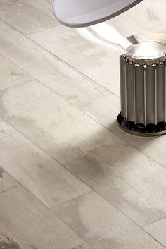 Verouderd hout white wash, verkrijgbaar in 22,5x90 en 15x90 (19, Tegelhuys)