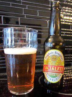 Skjálfti #beer ¿Sabías que #Islandia legalizó la #cerveza hace tan sólo 25 años? | Más sabiduría en curiositybeer.com