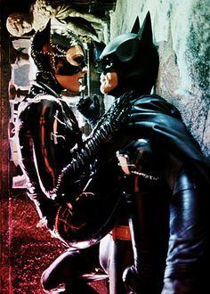 """Batman, en esta escena, no se ha puesto palote por el Kevlar de su traje. Pero por dentro está pensando: """"MIAU""""."""