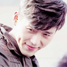 Hyun Bin ♥♥ dimples Asian Actors, Korean Actors, Korean Dramas, Lee Min Ho, Secret Garden Drama, Hyde Jekyll Me, Handsome Actors, Handsome Man, Netflix