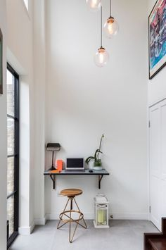 25 Ideas for Creating Smart Multifunctional Rooms – and Technology Small Space Living, Small Spaces, Living Spaces, Fold Down Beds, Home Security Tips, Security Tools, Tiny Home Office, Indoor Places, Balkon Design
