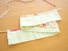 フリルスタイの作り方~3タイプアレンジ~: うろこのあれこれハンドメイド Ruffle Diaper Covers, Baby Bibs, Babys, Gym Shorts Womens, Gift, Pattern, How To Make, Fashion, Bibs
