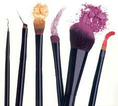 5 Must Have Makeup Brushes
