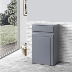 Buy the Butler & Rose Darcy Traditional Floorstanding Vanity Unit with Belfast Sink - Matt Grey from Tap Warehouse and add some traditional charm to your bathroom. Get free UK mainland delivery when you spend over here at Tap Warehouse. Double Basin Vanity Unit, Vanity Units, Semi Recessed Basin, Small Kitchen Sink, Toilet Cistern, Concealed Cistern, Back To Wall Toilets, Belfast Sink, Stone Basin