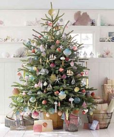 christmas tree decorating ideas for 2013 | modern christmas tree decorating ideas | Ecteli Home Designs