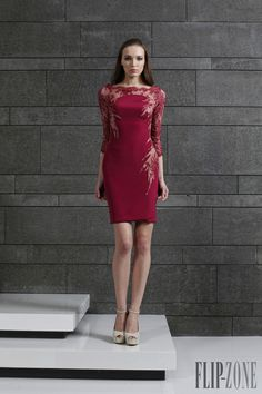 Mis Queridas Fashionistas: Tony Ward Ready-To- Wear Fall/Winter Tony Ward, Unique Dresses, Short Dresses, Dresses For Work, Prom Dresses, Style Icons Inspiration, Dress Vestidos, Cocktail Gowns, Fall Winter 2014