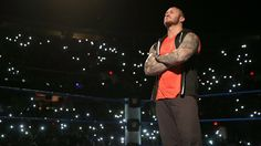 Bray Wyatt challenges Randy Orton: photos