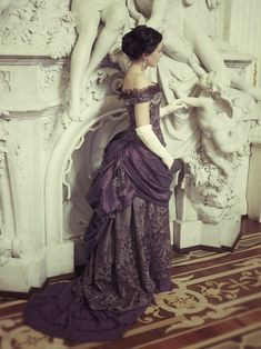 Thinking isn't scary. It's the thoughts that are terrifying. Victorian Era Fashion, Victorian Gown, 1800s Fashion, Victorian Costume, 19th Century Fashion, Victorian Steampunk, Vintage Fashion, Victorian Era Dresses, Gothic