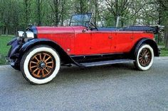 1922 LaFayette 134 Touring - A luxury car builder that was founded in 1919 in Indianapolis the company would eventually move to Milwaukee. Charles W. Nash of Nash Motors Fame took over the company in 1922 and phased it out in 1924. The LaFayette name reappeared on Nash cars in 1934 again to disappear by 1941. Note the windshield in front of back seat on this model to help protect rear passenger area.