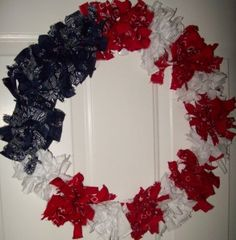 Patriotic wreath, gonna keep my colored bags from now on ;-) Bxo