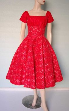 Red Vintage Dresses For New Years Eve 1950s Embroidered Taffeta
