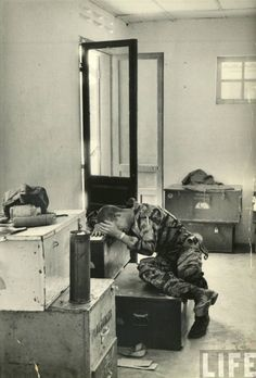 narcissusskisses:    Marine lance corporal James C. Farley crying in office over death of fellow soldiers during Vietnam War, Vietnam, March 31, 1965