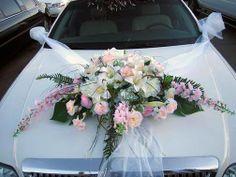 Car decoration Wedding Getaway Car, Wedding Prep, Wedding Goals, Dream Wedding, Wedding Car Decorations, Flower Decorations, Wedding Favors, Wedding Bouquets, Wedding Arrangements