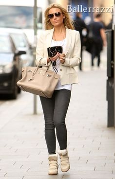 Cream outfit with sneaker wedge.