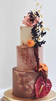 Hochzeitstorten schwarz 59 unique wedding cake designs unique wedding cakes pretty wedding cake simple w . Pretty Wedding Cakes, Purple Wedding Cakes, Wedding Cakes With Flowers, Elegant Wedding Cakes, Elegant Cakes, Wedding Cake Designs, Gold Wedding, Wedding Themes, Floral Wedding