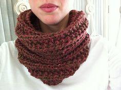 Ravelry: Serralada Cowl pattern by Maria Alemany Types Of Yarn, Ravelry, Knitting Patterns, Knit Scarves, Scarfs, Crochet, Cowls, Infinity, Projects