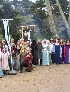 Sometimes I wish I had friends nerdy enough to have an elaborate Lord of the Rings party with. That's right, I said it.
