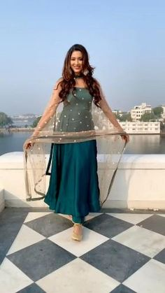 Dress Indian Style, Indian Dresses, Indian Outfits, Cute Love Lines, Western Dresses For Women, Indian Videos, Long Dress Design, Hair Up Styles, Designer Party Wear Dresses