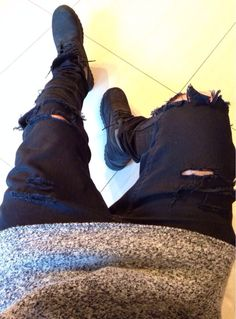 Men distressed jeans & timberlands | Men fashion