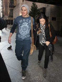 Channing in his obey shirt and Jenna lookin gorg as per usual. Cutest couple.
