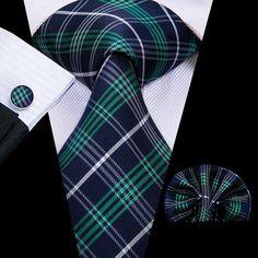 Top Fashion, Plaid Fashion, Mens Fashion Suits, Style Fashion, Novelty Ties, Cufflink Set, Plaid Design, Tie Set, Tie And Pocket Square