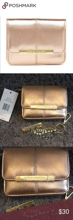 "Steve Madden Accordion Wallet NWT Rose Gold Steven Madden Accordion Wallet with key chain. 5.5"" wide 4.5"" tall Steve Madden Bags Wallets"