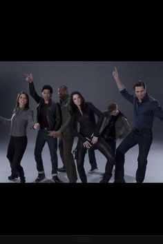 Alright everyone - crazy pose time! The Continuum S2 publicity photos Lexa Doig, Stephen Lobo, Roger Cross, Rachel Nichols, Erik Knudsen, and Victor Webster didn't want you to see. (via @StanaJediMaster on Twitter)