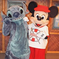 Good morning from these two just hanging loose at the PCH grill! 626    #paradisepierhotel #pchgrill #characterbreakfast #paradisepier #stitch #liloandstitch #mickeymouse #mickey #mickeyandstitch #stitchandmickey #disneyland by disneyashleigh