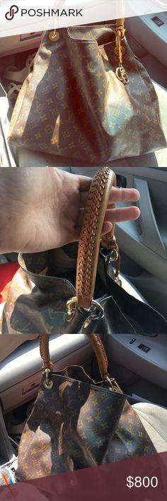 Louis Vuitton classic Artsy handbag 100% real Louis Vuitton Artsy handbag with braided leather handle, Louis Vuitton charm. Slightly used, originally paid $1,960.00 Louis Vuitton Bags Shoulder Bags