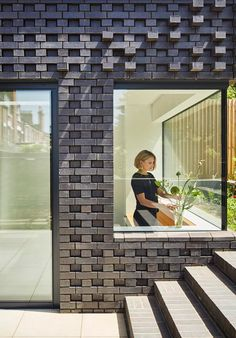 Extension of an Edwardian property in Crouch End by Mulroy Architects using Staffordshire Blue textured brickwork Brick Extension, House Extension Design, Side Extension, Brick Design, Facade Design, Brick Architecture, Architecture Details, Windows, Bricks