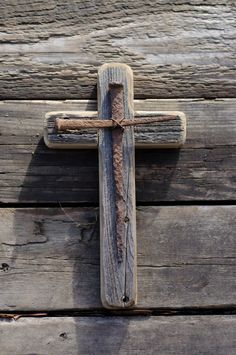 This rustic wooden cross is a handmade original design. It is made from reclaimed barn wood from the Pacific Northwest. On the face of the cross is another cr Barn Wood Projects, Reclaimed Wood Projects, Barn Wood Crafts, Wooden Crafts, Recycled Wood, Wooden Crosses, Crosses Decor, Wall Crosses, Rustic Cross