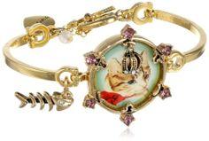 "Betsey Johnson ""Vintage Kitty"" Cameo Toggle Bracelet, 7"" Betsey Johnson,http://www.amazon.com/dp/B00FLMUQQA/ref=cm_sw_r_pi_dp_Y6Vltb1G5J6X9XKV"
