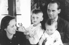 "Heroes: Bert and Anne Bochove, who hid 37 Jews in their pharmacy in Huizen, an Amsterdam suburb, pose here with their children. The two were named ""Righteous Among the Nations."" The Netherlands, 1944 or Jewish History, World History, Cultura General, Lest We Forget, Anne Frank, Persecution, Interesting History, Faith In Humanity, Good People"