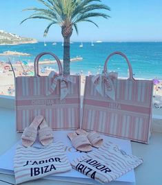 ior in Ibiza 💕 Luxury Purses, Luxury Bags, Luxury Handbags, Dior Handbags, Cute Handbags, Dior Bags, My Bags, Purses And Bags, Fashion Bags