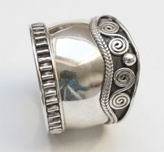 One, 925 Bali Sterling Silver Wide band ring size UK: 9  / USA - S - please refer to images