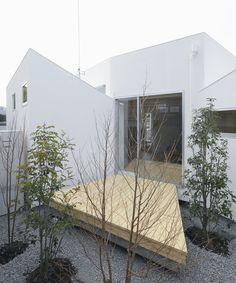 Gallery of HouseM / Hiroyuki Shinozaki Architects - 2