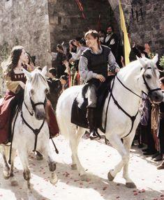 Susan Pevensie, Edmund Pevensie, Lucy Pevensie, Cair Paravel, Modern Disney, Chronicles Of Narnia, Movie Lines, Cs Lewis, Chapter One