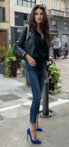 Elegantes Outfit, Modern Photography, Sexy High Heels, Jeans Style, Supermodels, Sexy Women, Dress Up, Beautiful Women, Street Style