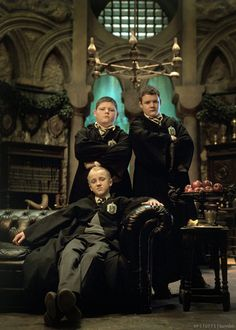 ImageFind images and videos about harry potter, draco malfoy and slytherin on We Heart It - the app to get lost in what you love. Goyle Harry Potter, Saga Harry Potter, Mundo Harry Potter, Harry Potter Draco Malfoy, Harry Potter Pictures, Harry Potter Universal, Harry Potter Movies, Harry Potter Hogwarts, Slytherin Pride