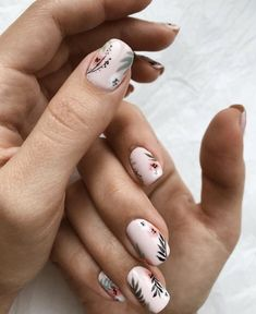5 Unavoidable Floral Nail Art for Short Nails : Take a look! Your short nail deserves some amazing nail art design and Color. So, regarding that, we have gathered some lovely Floral Nail Art for Short Nail suggestions only for you. Short Nail Designs, Nail Art Designs, Nails Design, Nude Nails, Acrylic Nails, Hair And Nails, My Nails, Floral Nail Art, Dream Nails