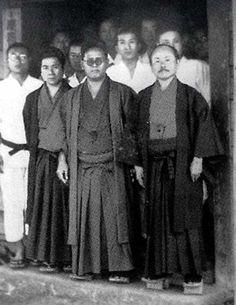Funakoshi Kenpo Karate, Shotokan Karate, Goju Ryu Karate, Karate Kata, Albanian Culture, Chinese Martial Arts, Martial Artists, Samurai Warrior, Kendo