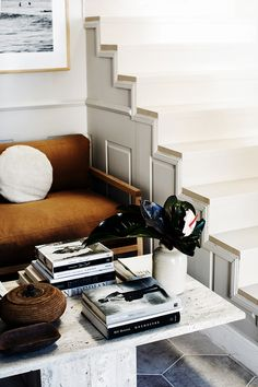 Home Tour: Das Studio von Kara Rosenlund – lilaliv Dresser Styling, Les Accents, Kara Rosenlund, Interior Styling, Interior Design, Entryway Furniture, News Studio, Home Office Design, Home Projects